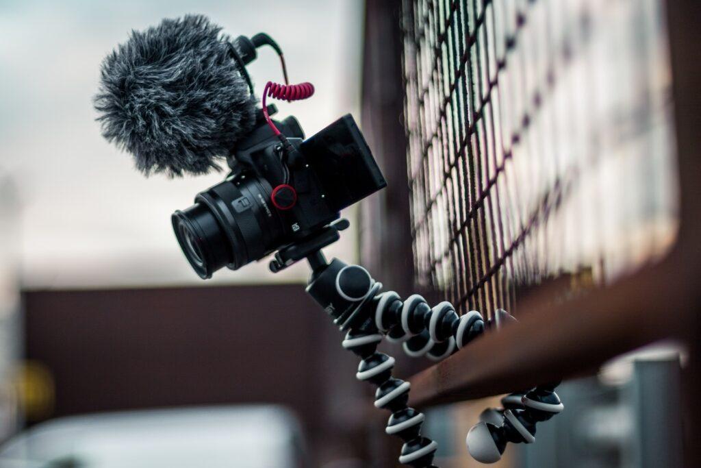 Creation singuliere creation de contenu partie video agence de communication digitale Honfleur Normandie